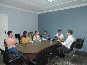 Corpo técnico do CAU/AM reunido com consultor